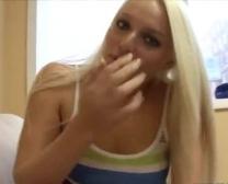 blonde schlampe im hausflur in den arsch gefickt