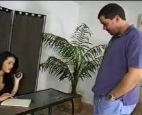 Sekretärin Tavalia Griffin - Pfund Mit Ihrem Klienten, Während Er Auf Appointement Wartet