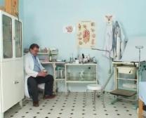 Exame Pernicioso De Sam Gyno Poon Pelo Médico Mais Velho