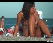 Gorgeousteens عارية على الشاطئ