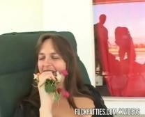 Video Porno Ahijado Coje A Su Madrina En La Cama Cuando Estan Solos Leche  Madrina Caliente