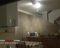 Voyeur Dans La Cuisine De Amatrice Francaise En Webcam Directe