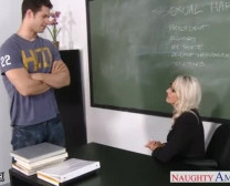Bang-Out Teacher Emma Starr Take Dude Sausage In Classroom