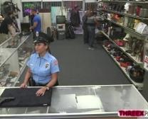 مثير وممتاز ضابط الشرطة الحصول على زوجها اليام الحجم المؤخر المسحوق