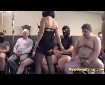 Preggo Tinédzserek Nagy Első Gang-Bang Szex