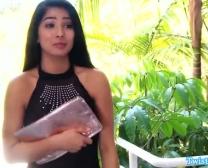 Salinas Megan Que Manipula Em Pênis Erecto