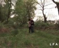 Cochonne Francaise Defoncee Dans 1 Groupe Branchement Papy Avec Voyeur En Pleine Nature